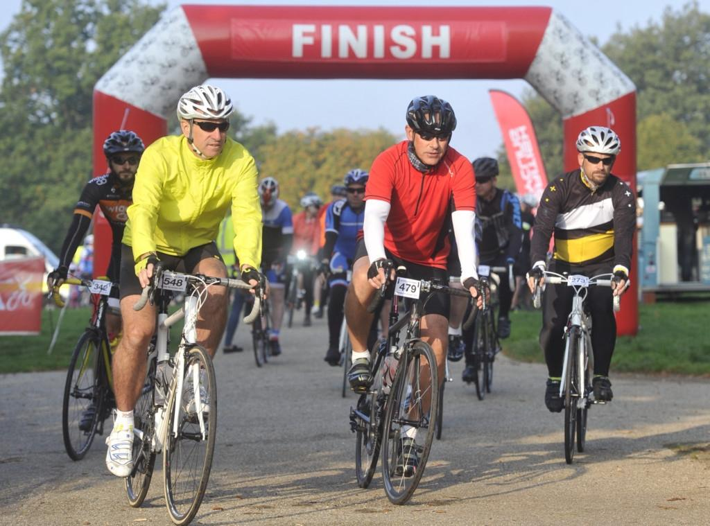 Ipswich Cycle Swarm finish In Christchurch Park